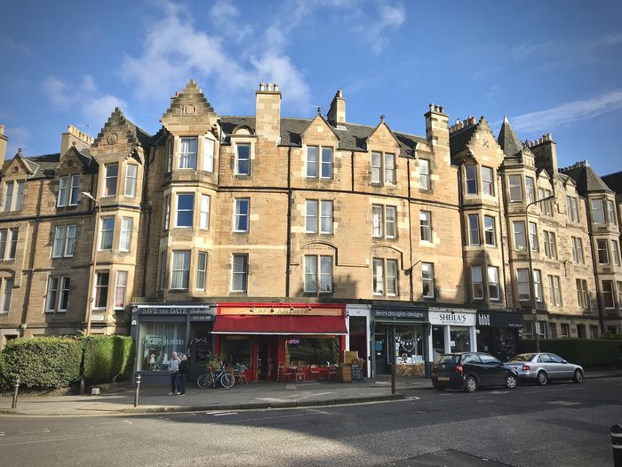 You will find plenty of cafes and neighbourhood shops on Marchmont Crescent